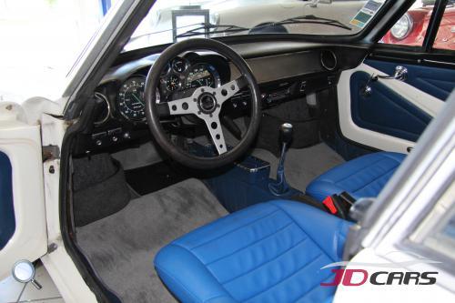 alpine a110 1600s jd cars expert en v hicule de collection. Black Bedroom Furniture Sets. Home Design Ideas