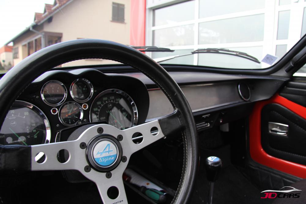 Alpine a110 v85 jd cars expert en v hicule de collection for Interieur alpine a110